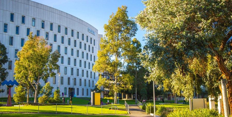 Deakin University Online MBA